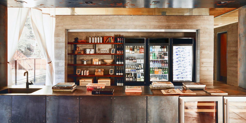 Shop-at-Club-House